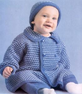 Вязаное детское пальто с шапочкой