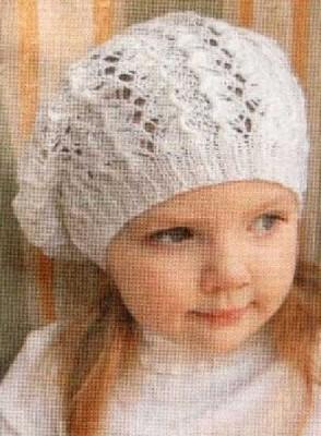 Вязаный ажурный берет для девочки