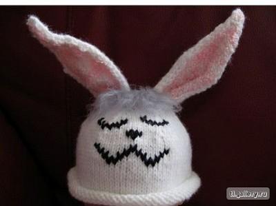 вязаная шапка-зайка