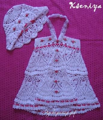 вязаное платье с шапочкой