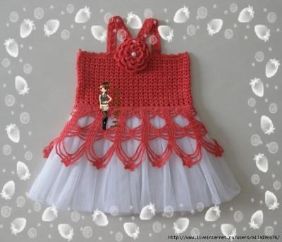 модное вязаное платьице