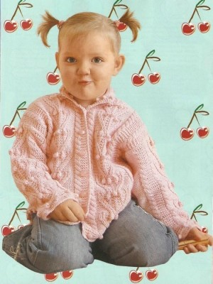 Розовая кофточка для девочки