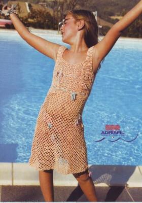 Платье крючком для летнего отдыха