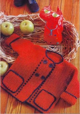 Красная кофточка для малышки